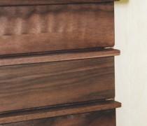 Detail Schubkastenschrank, Nußbaum, geölt