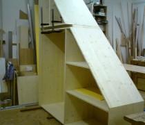 ein Dachschrägenschrank entsteht in der Werkstatt