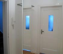 Garderobe mit Spiegel weiß lackiert, Edelstahl