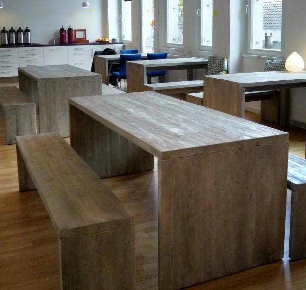 Tische und Bänke Nadelholz ungehobelt